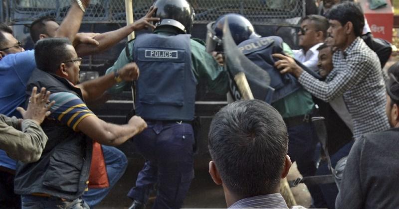 বিএনপির নেতাকর্মীদের বিরুদ্ধে শাহবাগ ও রমনা থানায় মামলা